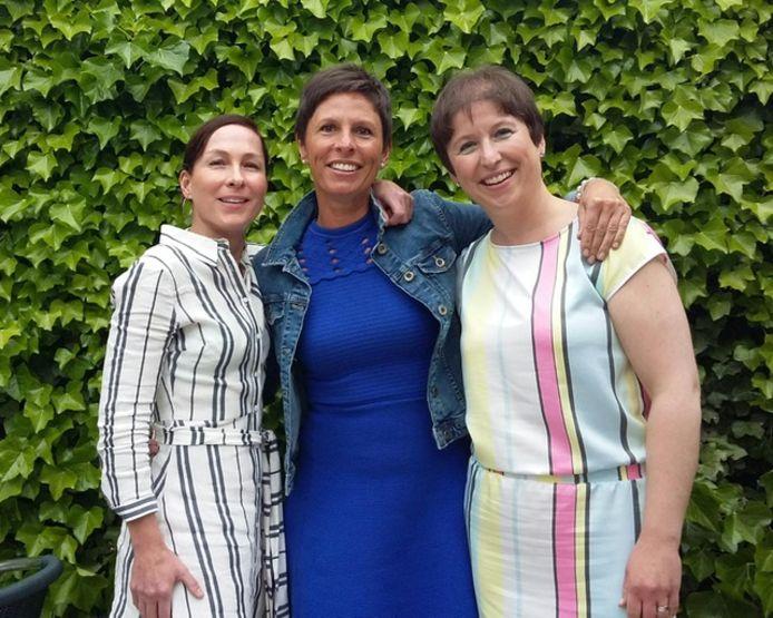 Van links naar rechts: Liesbeth, Marian en Gudrun Descamps.