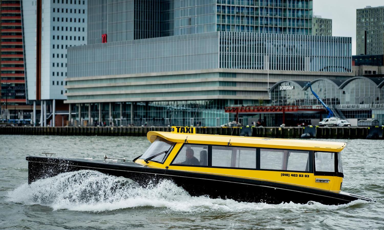 Een watertaxi in Rotterdam, ook een goed idee voor Zwolle?