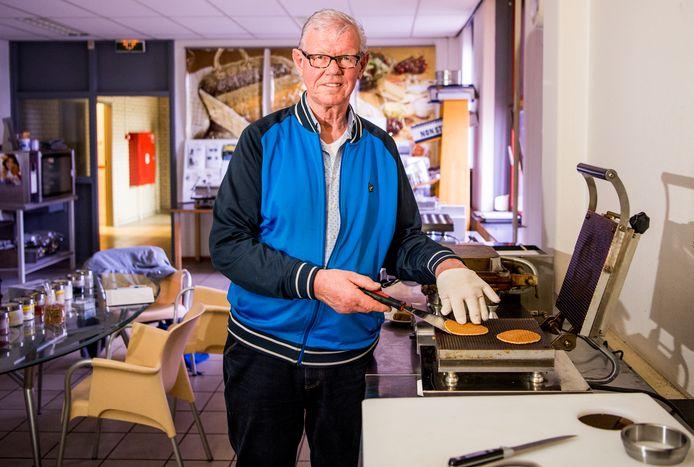 ,,Ik wil de wereld veroveren met de stroopwafel en ik kom graag voordoen hoe dat moet'', zegt Ties Steenbergen.