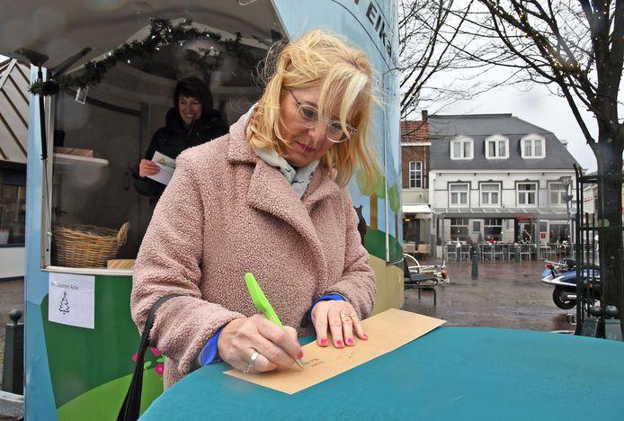 In december vroeg Hulst voor Elkaar aan inwoners om een kaartje te schrijven voor eenzame mensen.