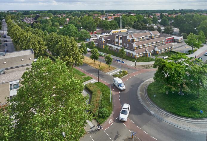 Politiebureau en brandweerkazerne aan de Leeuweriksweg in Uden. Beide panden worden gesloopt, ook de naastgelegen scholen verdwijnen.