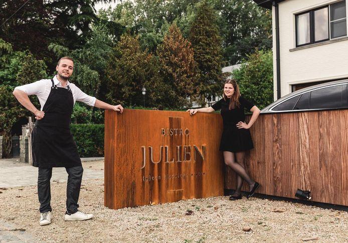 Davy Devlieghere en zijn vriendin Marie-Julie van Bistro Julien wagen de gok. Zij gaan op 8 mei wél open.
