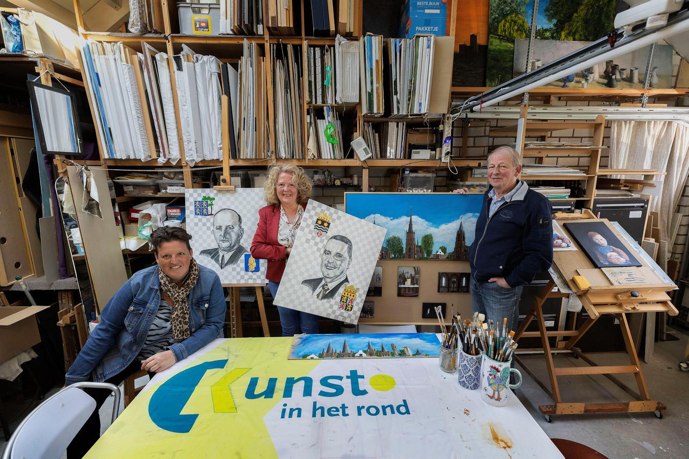 Bestuursleden van Kunst in het Rond, vlnr Ingrid van Dooren, Marie-Louise Vooijs en Clemens Stolwijk.