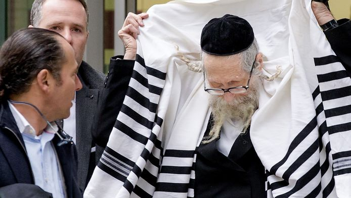 De omstreden rabbijn (77).