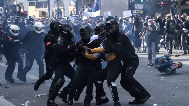 Betogers en ordediensten clashen bij demonstratie tegen racisme en politiegeweld in Parijs