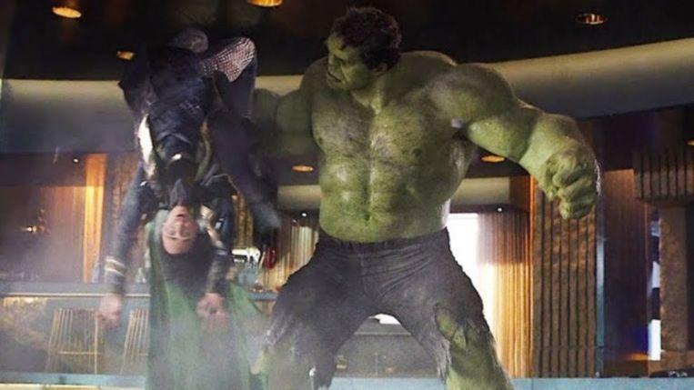 Hulk en Loki Beeld