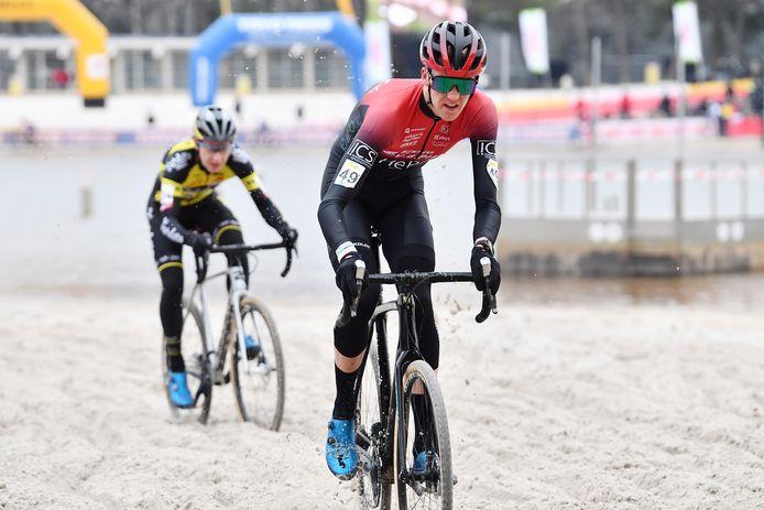Julian Siemons begin dit jaar tijdens de Zilvermeercross in Mol: hij gaat zaterdag in Vorselaar op zoek naar de Antwerpse titel.