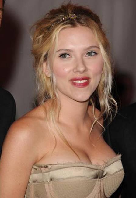 Scarlett Johansson, la plus belle poitrine dHollywood
