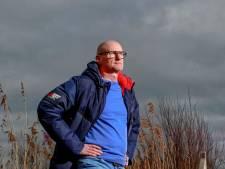 'Alsjeblieft, staar je niet blind op windmolens en spaar de polder'