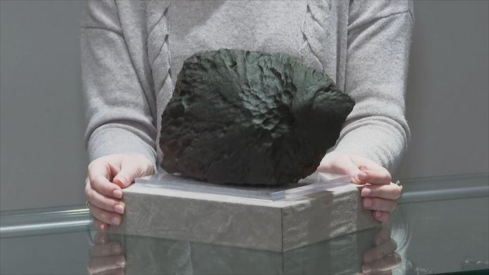 Une vente de météorites lunaires et martiennes aura lieu ce mois-ci chez Christie's.
