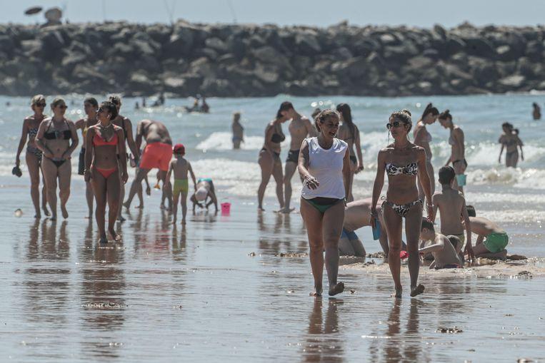 Een Portugees strand in de Algarve.  Beeld EPA