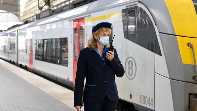 """Loketten in station vanaf maart minder lang open: """"61 procent van de tijd staat er gewoon niemand"""""""