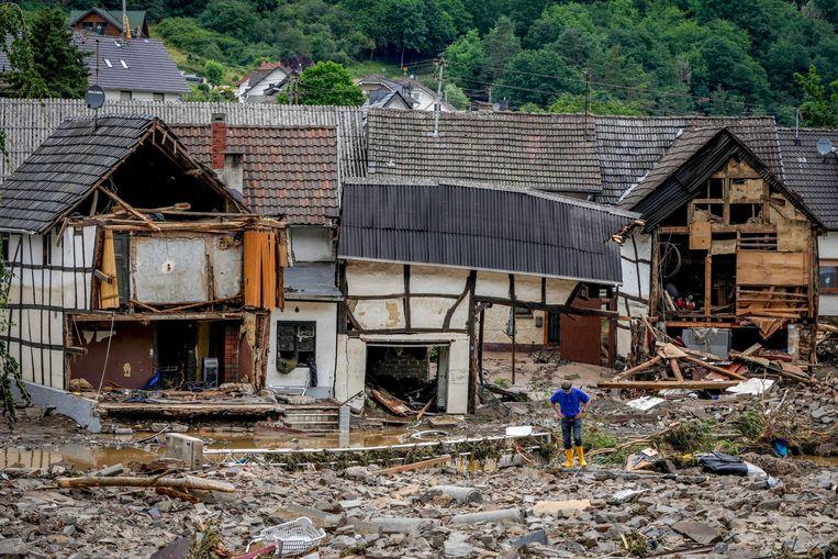 Vernielde huizen in Schuld Beeld AP