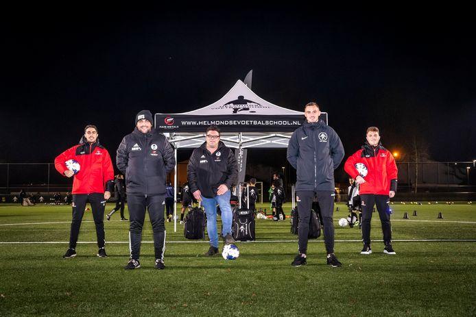 Vlnr Karim Loukili, Faiz Essakkati, Roy Kusters, Jordy Thomassen en Dean van der Sluijs