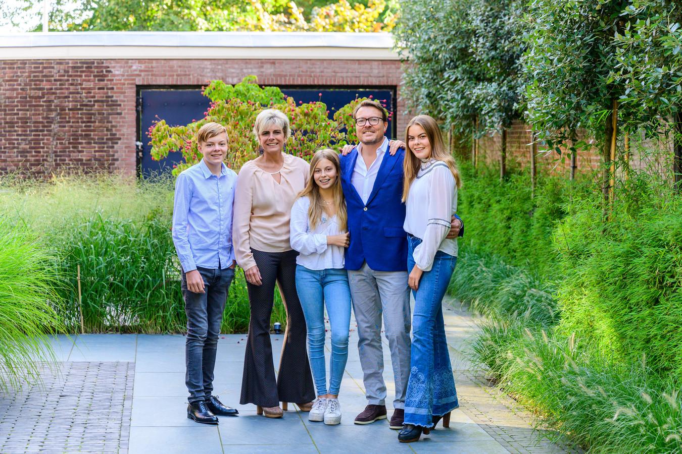 Prins Constantijn, Prinses Laurentien en hun kinderen Claus Casimir, Leonore en Eloise.