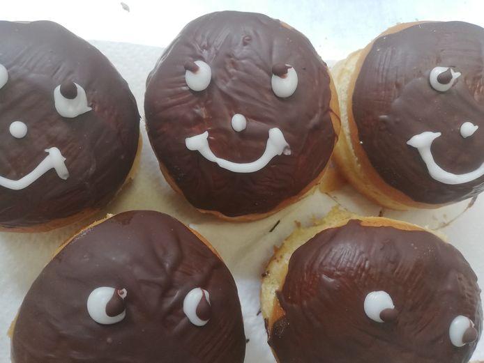 De 'lachende kakskes' van Bakkerij Patrick en Butch in Ronse.