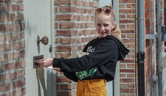 Geike zorgt voor een leuke verrassing voor inwoners van Kortrijk die de moeite doen een beer voor het venster te plaatsen.