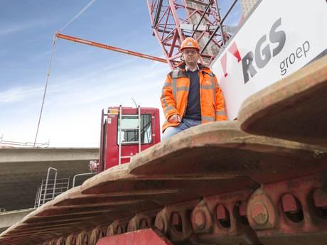 Megaklus Rijssense Gebouwen Sloperij voor de nieuwe terminal op Schiphol