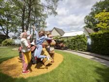 Zwemkampioene Inge de Bruijn in Avonturenpark Hellendoorn, met verwaarloosde kinderen: 'Ik gun hen dezelfde uitlaatklep als ik had'