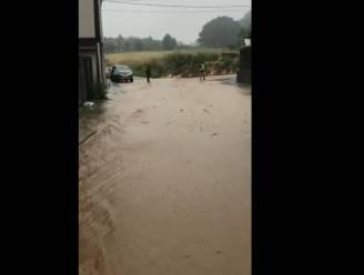 Congo in Lembeek ziet opnieuw modder door de straten stromen