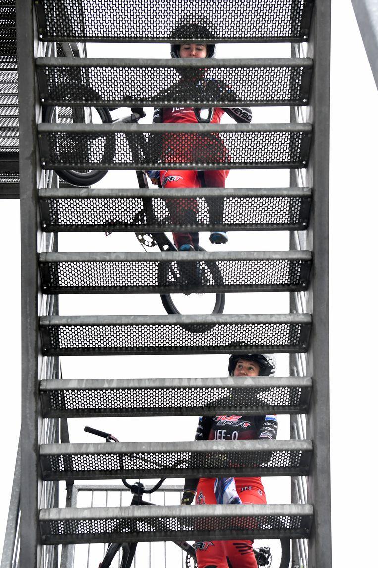 De starttoren van de BMX-baan op Papendal op.  Beeld Marcel van den Bergh