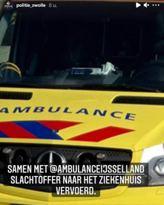 De gewonde werd afgevoerd per ambulance.
