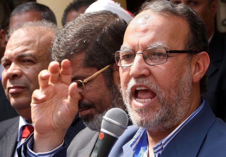 Essam al-Arian in 2011. Naast hem Mohamed Morsi, de inmiddels afgezette president. Beeld EPA