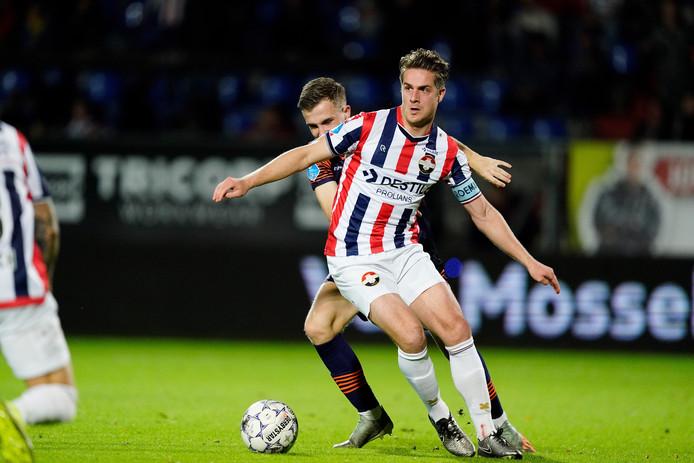 Jordens Peters tijdens het duel met RKC Waalwijk.