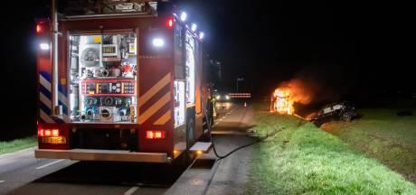 Automobilist knalt tegen stroomkast in Wijk en Aalburg