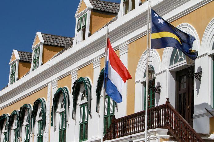 Bij een schietpartij in Curaçao zijn vannacht vier mensen omgekomen.