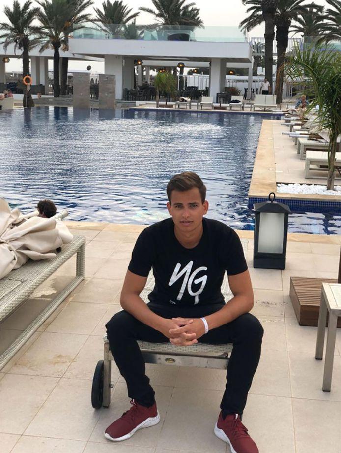 Brecht Van Eccelpoel s'est vu réclamer 3.300 euros pour pouvoir quitter son hôtel.