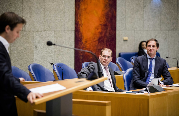 Joost Sneller (D66), staatssecretaris Menno Snel (D66) en minister Wopke Hoekstra (CDA) van Financiën tijdens de algemene financiële beschouwingen.