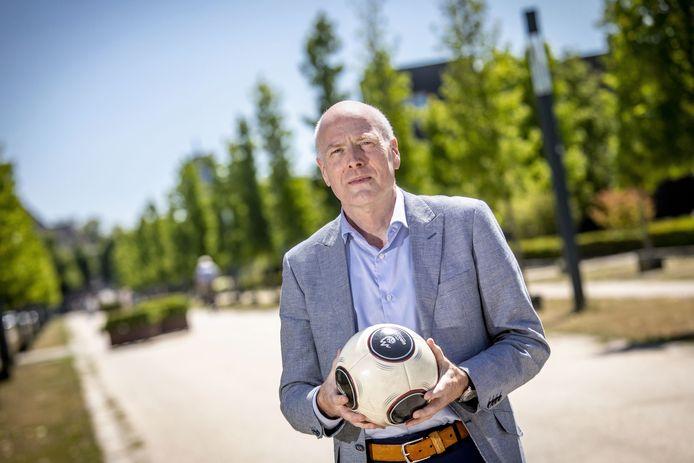 Henk Bolhaar was juist voorstander van de ludieke actie van de KNVB.