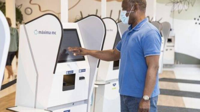 Automatisch inchecken in plaats van bij balie MMC