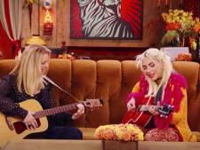 """Lady Gaga et Phoebe reprennent le célèbre titre """"Tu pues le chat"""""""