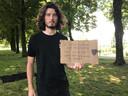 Jasper van Veen groeide op in Vught, had Molukse vrienden en zag hoe moeilijk zij het hadden. Ook hij is dus van de partij bij de demonstratie in Den Bosch.