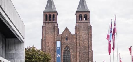 Oorlogsmuseum neemt intrek in Arnhemse Walburgiskerk, doel is minstens 50.000 bezoekers