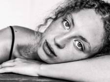 Sarah Neutkens' grote speeltuin levert een cd op vol aangename lichtheid