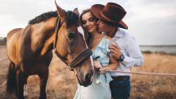Hou je van paarden én paren? Dan is deze datingsite iets voor jou!