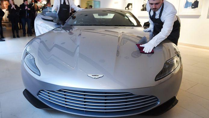 De Aston Martin van James Bond.
