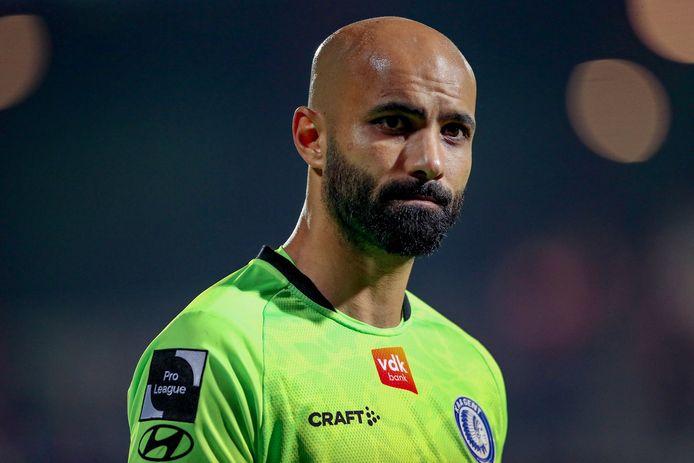 Sinan Bolat kon z'n teleurstelling niet verbergen na de 1-0-nederlaag op KV Kortrijk.