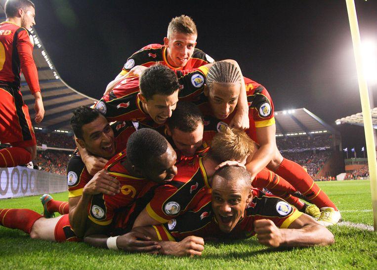 België wint met 2-0 van Schotland in de kwalificatie voor het WK 2014. Vincent Kompany  scoort een fantastisch doelpunt. Beeld Belga