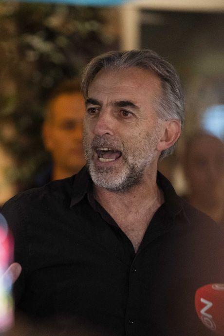 Wie is Mordechaï Krispijn, de man die het protest tegen coronapas bij Waku Waku aanvoerde?