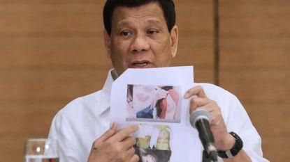 """Filipijnse president: """"Schiet vrouwelijke rebellen in hun vagina, dan worden ze waardeloos"""""""