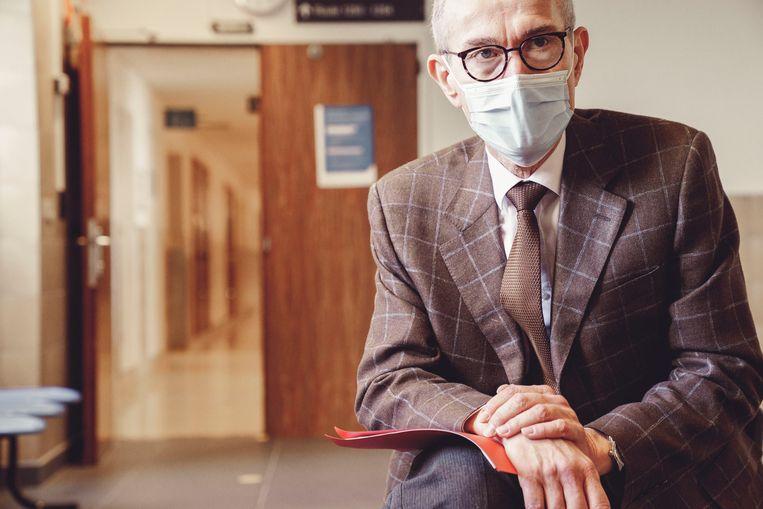 'Het personeel in de ziekenhuizen draait nu al een jaar in een noodsituatie. Ze worden nu opnieuw tot het uiterste gedreven' Beeld © Stefaan Temmerman