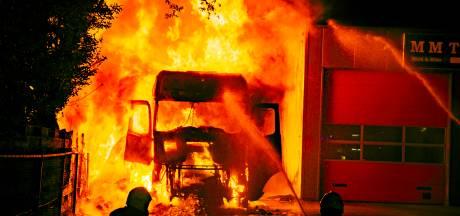 Drie mannen opgepakt voor vrachtwagenbrand waarbij chauffeur uit Twenterand ernstig gewond raakte