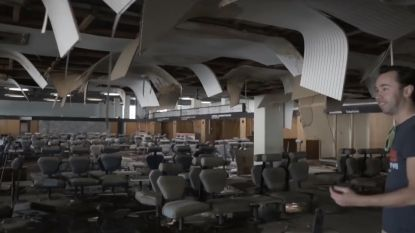 VIDEO: Avonturiers dringen binnen op verlaten luchthaven. Maar weer naar buiten raken blijkt plots niet zo eenvoudig te zijn