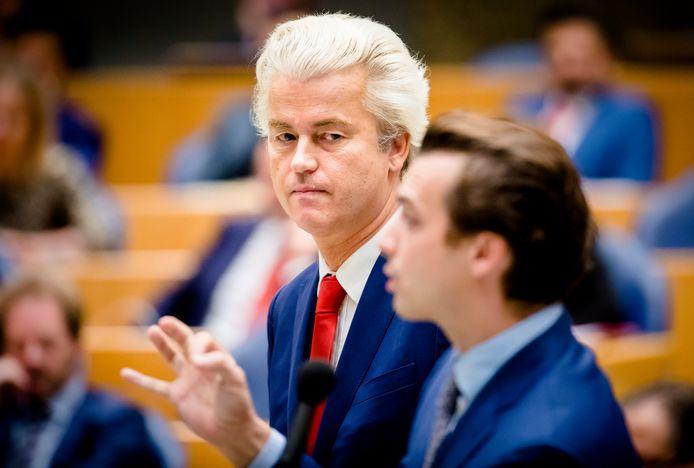 Geert Wilders (PVV) en Thierry Baudet (FvD) tijdens een plenair debat in de Tweede Kamer over de regeringsverklaring.