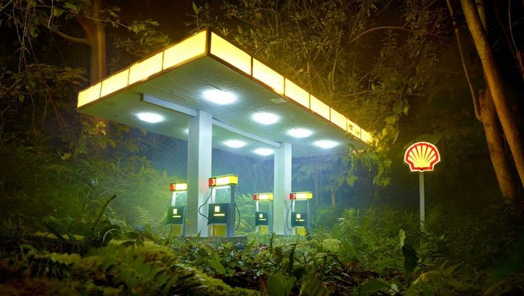 David LaChapelle. Gas Shell (2012). Beeld  David LaChapelle Studio courtesy Jablonka Maruani Mercier Gallery