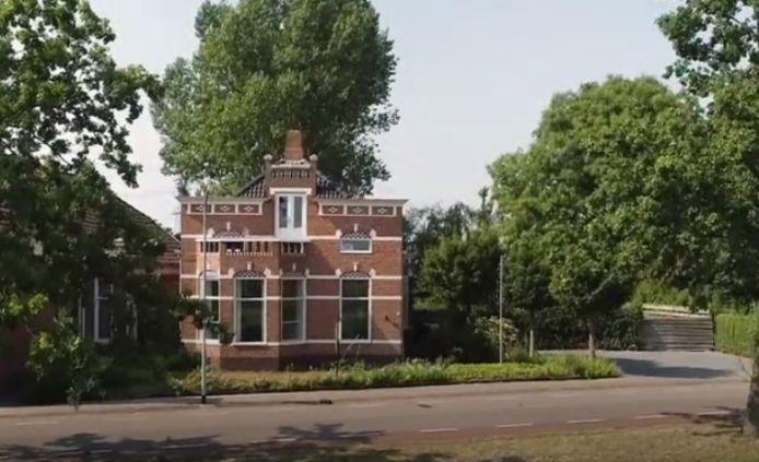 De statige woning in Nieuwe Pekela. Vraagprijs: 229.000 euro voor 171 vierkante meter.